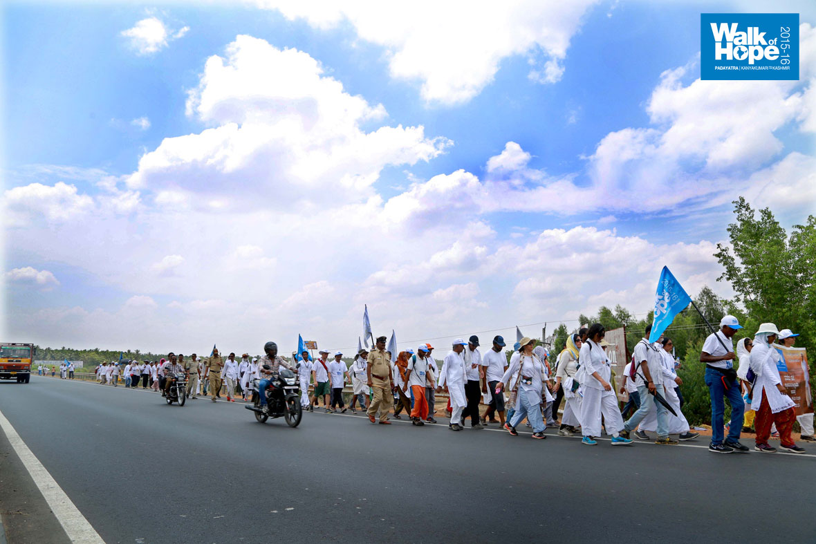 Walk-of-Hope-in-Karnataka-11-April-2015-4