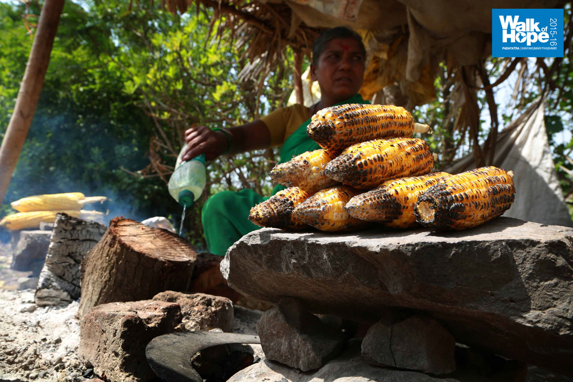 7.Yummy-roasted-maize,-Majle,-Sangli-Road,-Maharashtra)