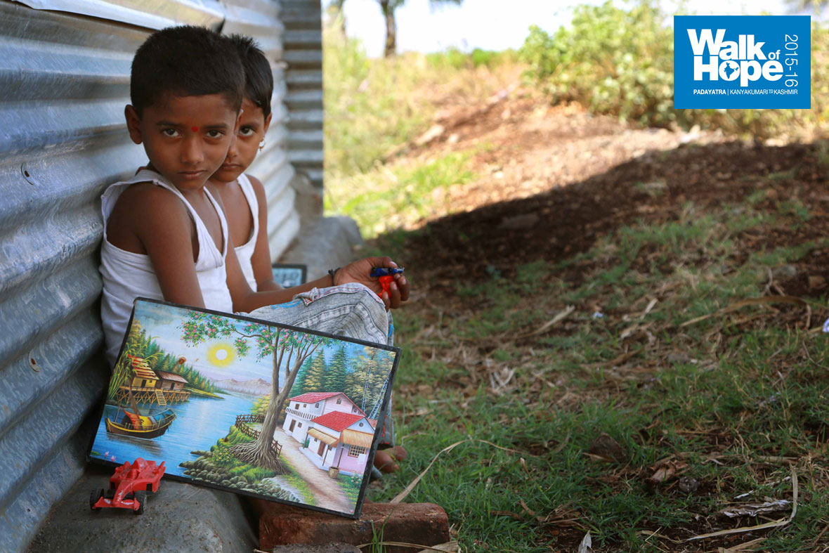 6.Toy-racing-car-and-a-landscape-painting,-to-keep-this-twosome-occupied,-Mohol,-Maharashtra)