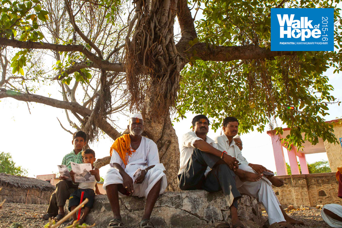 7.The-vision-of-the-rulers-of-yore-who-planted-hundreds-of-Banyan-trees-along-the-road-is-laudable,-Solapur,-Maharashtra