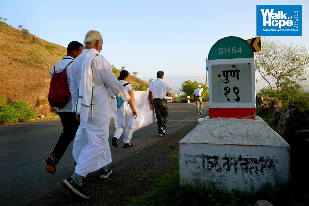 8.Yes,-Pune-is-within-striking-distance-after-169-days,-Dive-Ghat,-Pune,-Maharashtra)