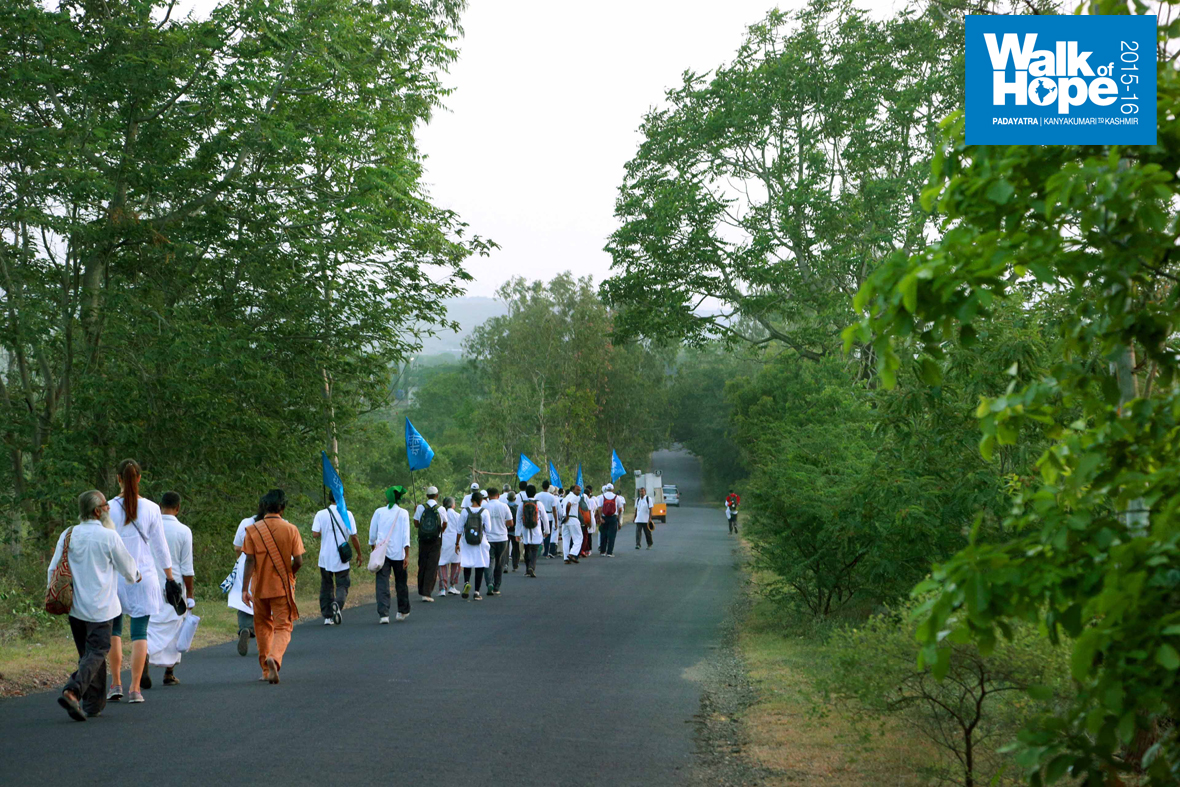 1.WOH-Day-184,-it-is-a-picturesque-walk-from-Ralegansiddhi-to-Parner,-Ahmednagar,-Maharashtra)