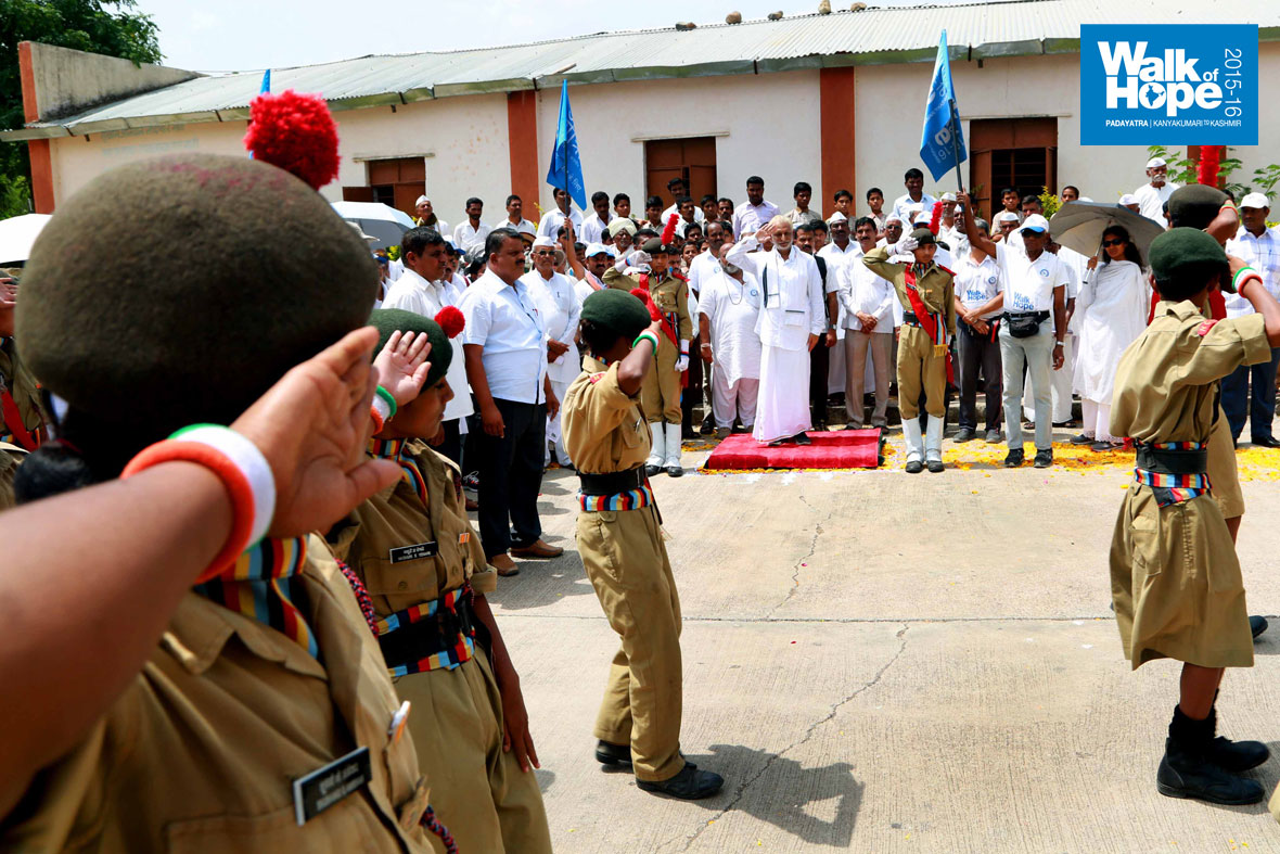 10..Sir-receiving-a-guard-of-honour-by-scouts-and-girl-guides,-Hiwre-Bazar,-Ahmednagar,-Maharashtra)
