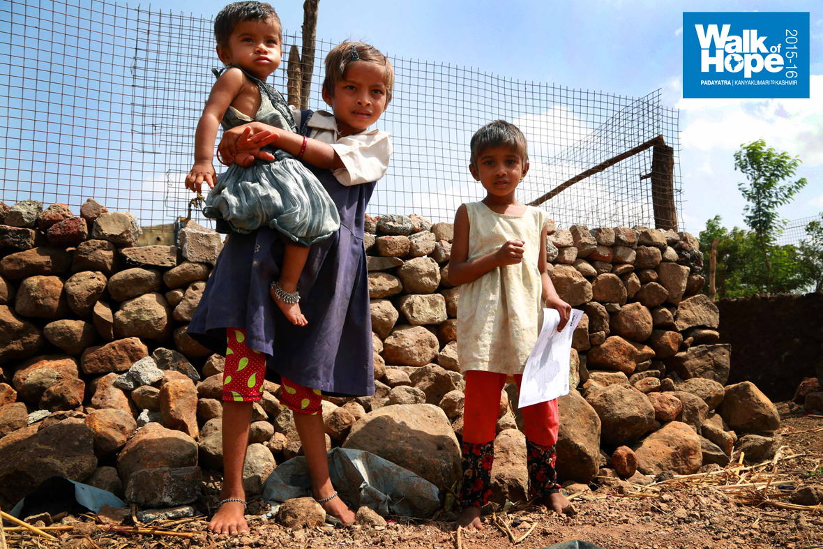 10.Would-like-to-know-what-these-kids-are-up-to,-during-school-hours!!,-Parner,-Ahmednagar,-Maharashtra)
