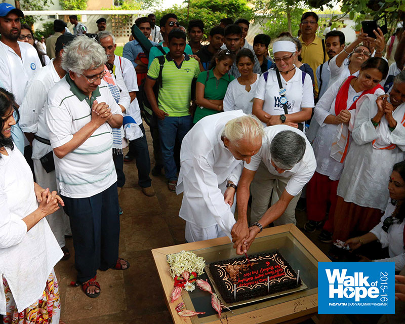 13.Sir-cutting-the-WOH-cake-with-
