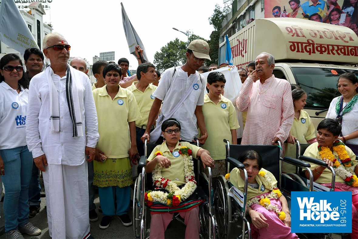 13.Sir-with-differently-abled-children-who-joined-the-walk-today,-Pune,-Maharashtra