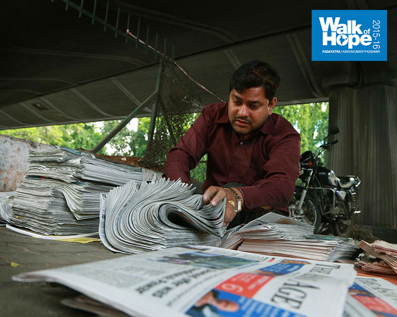 4.One-of-the-most-regular-jobs-ever,-that-of-a-Newspaperman!!,-Pune,-Maharashtra