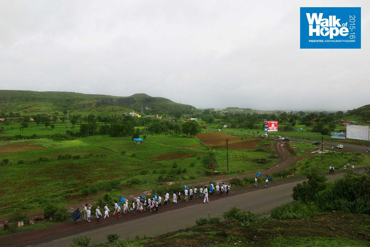 8.The-tortuous-Mohadari-Ghat-road-scattered-us-so-much-that-only-a-few-people-seem-to-be-walking!!,-Sinnar,-Nashik,-Maharashtra)