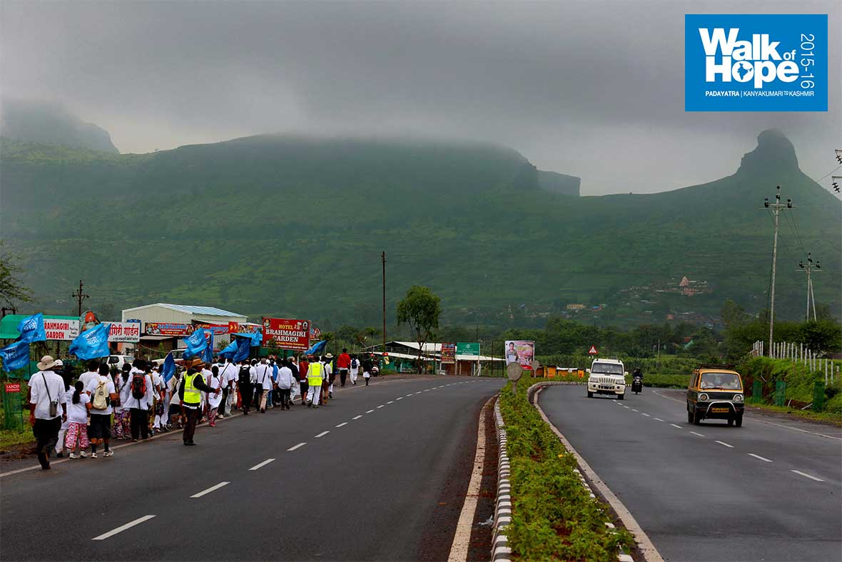 5.Once-we-sight-the-jagged-hill-ranges,-we-know-we-are-within-striking-distance-of-Trimbakeswar!!!,-Nashik,-Maharashtra