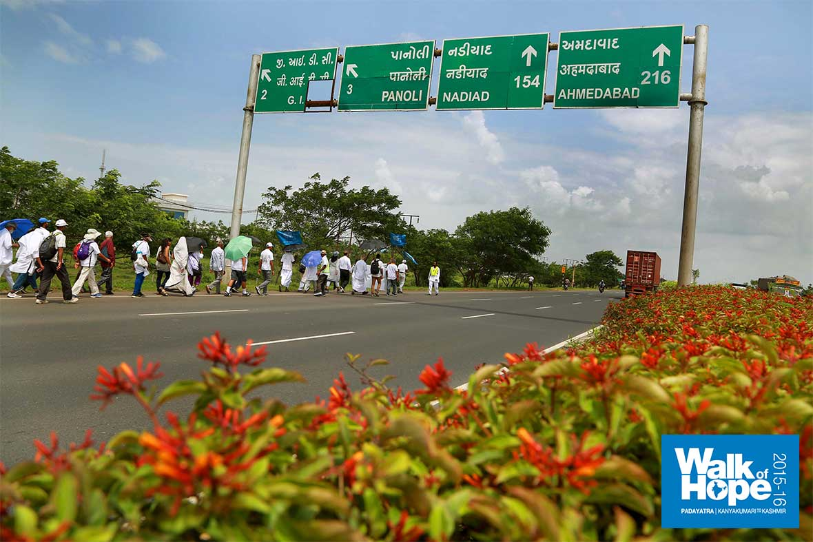 9.Highly-industrialized-&-heavily-motored-are-these-parts-of-Gujarat,-Panoli,-Surat