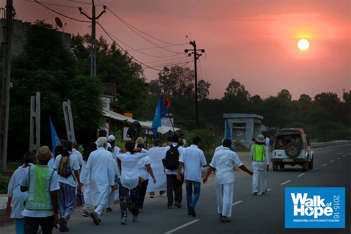 1.WOH-Day-247,-we-hit-the-road-before-dawn-walking-from-Tuwa-to-Godhra,-Gujarat