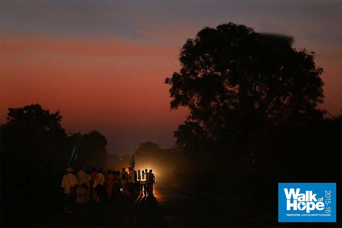 1.WOH-Day-259,-the-Padayatra-caught-in-an-ethereal-glow!!,-Rajgarh,-Dhar,-MP