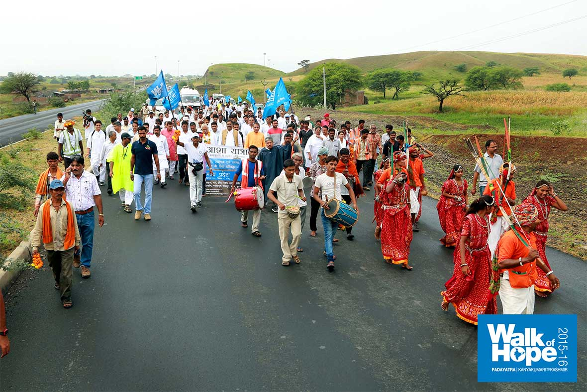 10.The-Padayatra-starts-its-march-into-the-heart-of-India,-Pitol,-MP