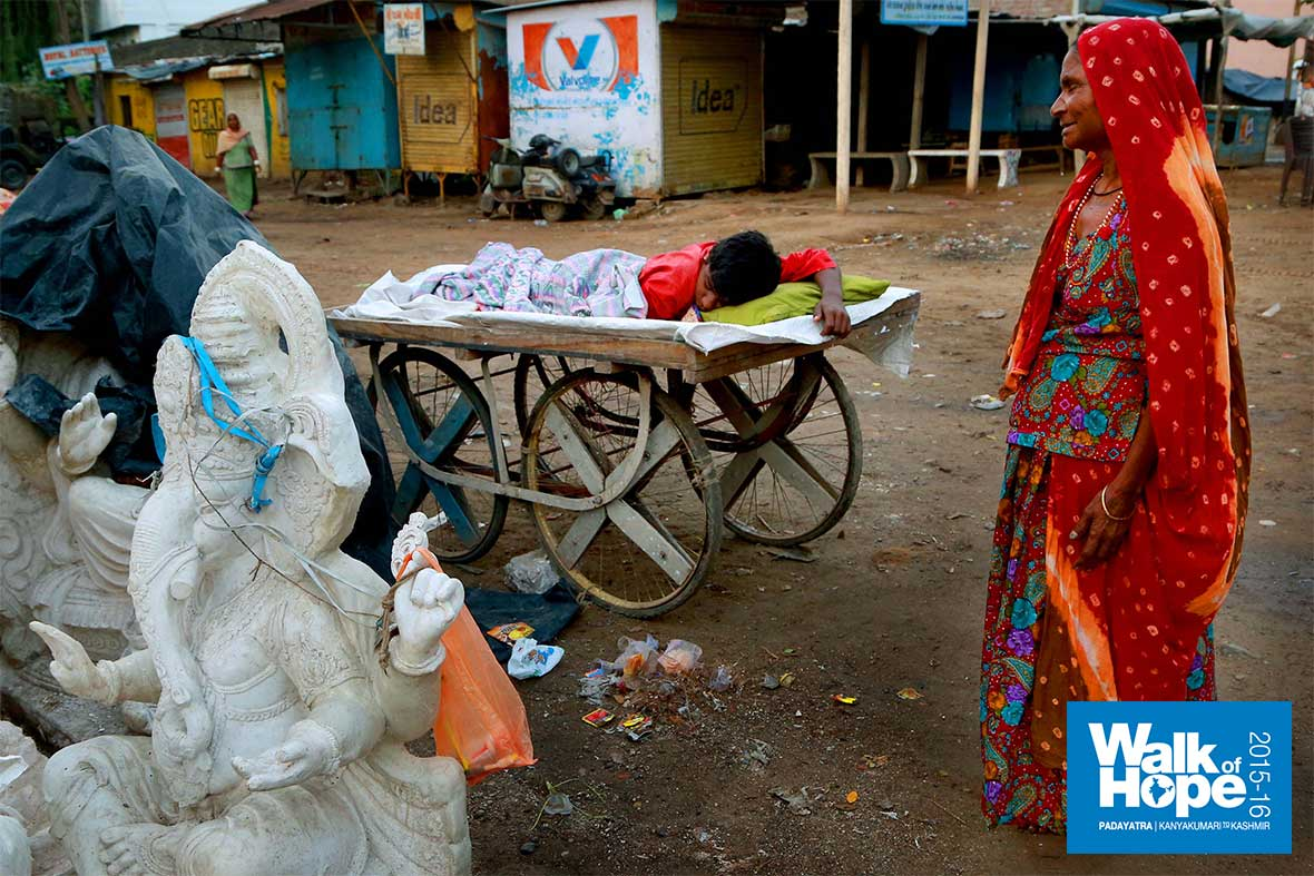 2.This-boy-must-be-tired,-making-Ganeshas-all-day!!,-Anand,-Gujarat