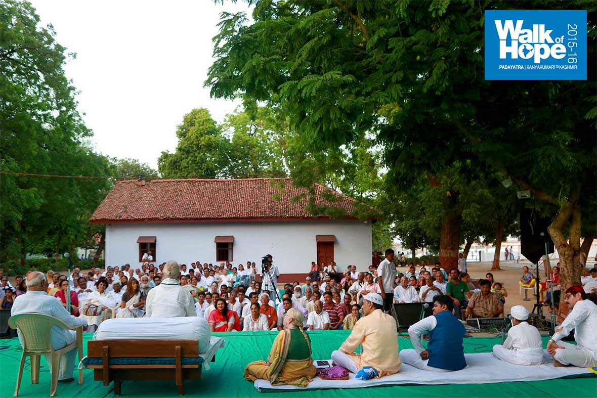 9.Sarvamata-Prardhana-at-the-hallowed-precincts-of-the-Sabarmati-Ashram,-Ahmedabad,-Gujarat