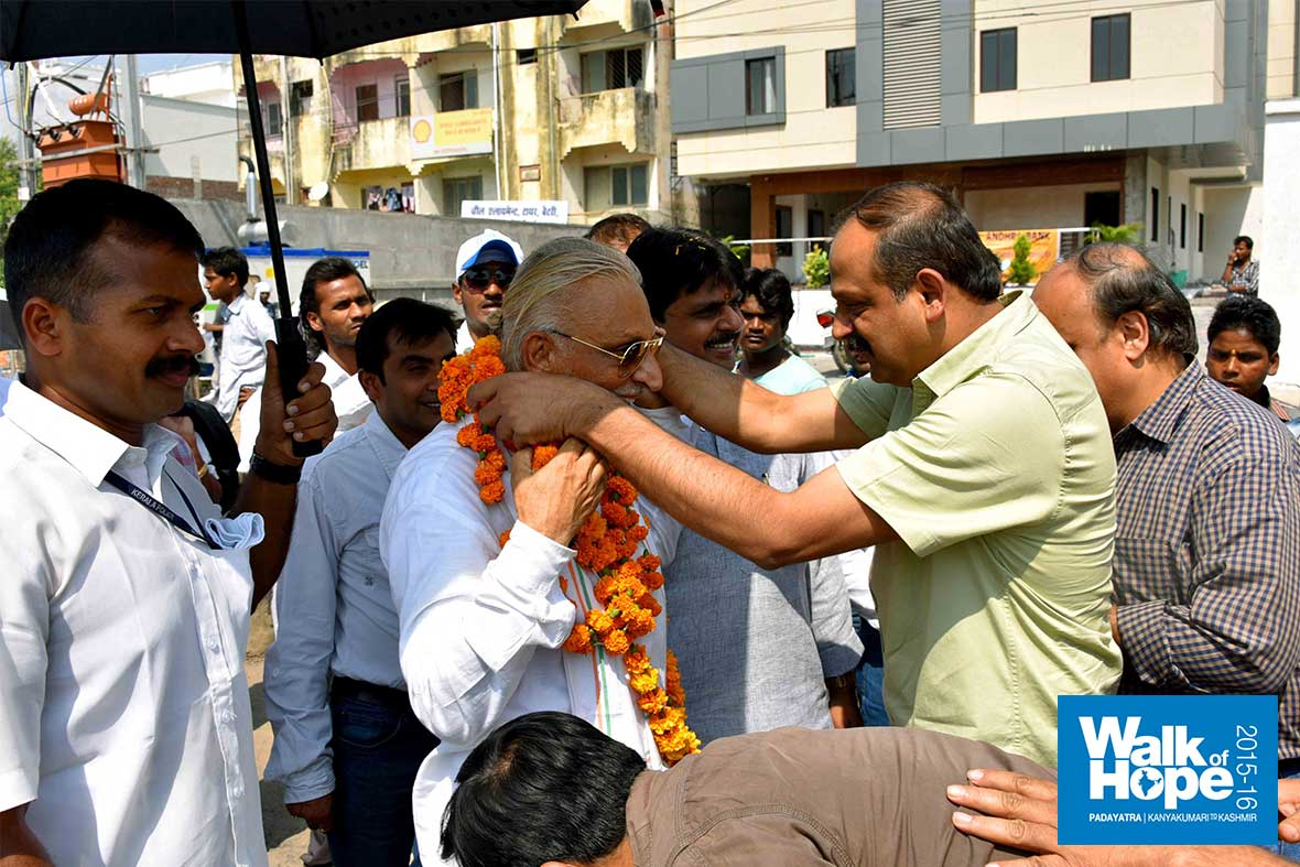 16.DSC_3903-(Greetings-from-the-Scientific-Community-of-Bhopal,-MP