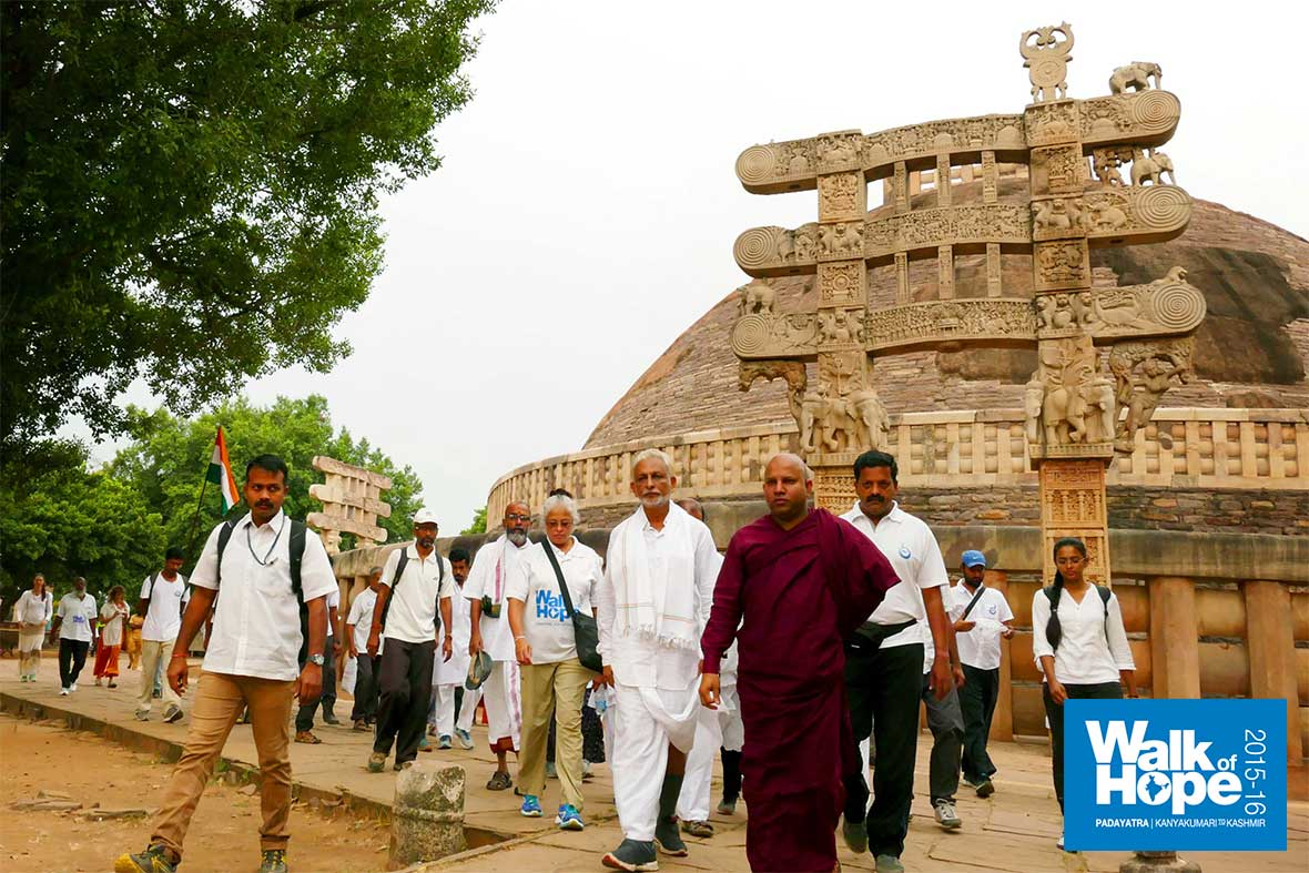 5.A-tour-of-the-world-famous-Budhist-Monuments-at-Sanchi,-Raisen,-MP