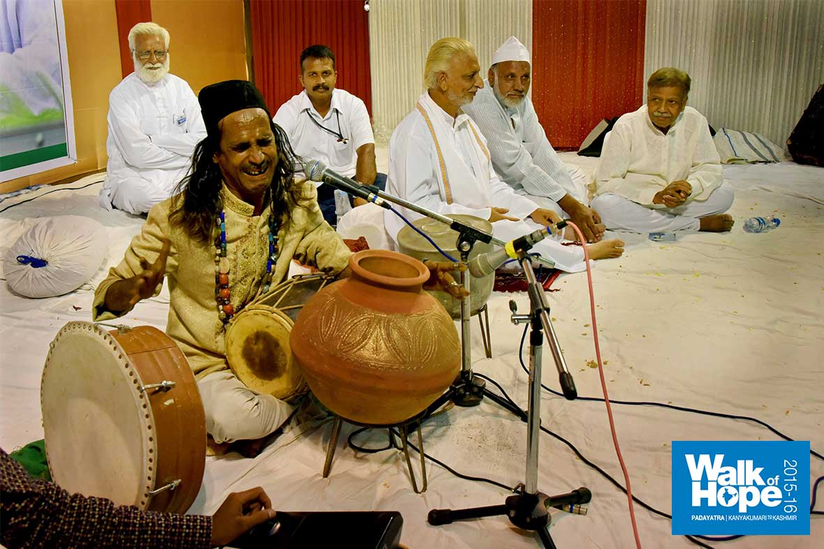 8.Rustic,-rhythmic-&-four-at-a-time!!,-a-percussion-wizard!!,-Bhopal,-MP