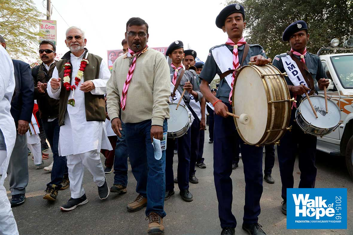 10.Ushered-on-to-the-Shastri-Bridge-by-Bharat-Scouts-and-Guides,-Allahabad,-UP