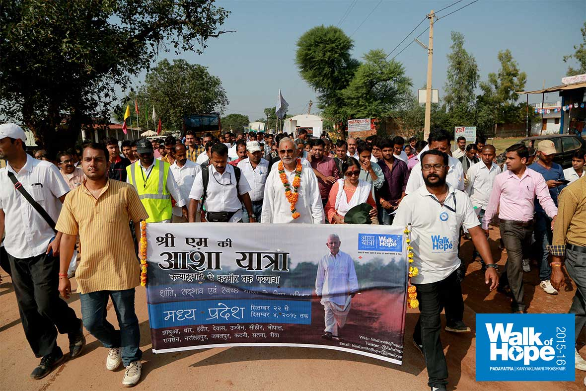 14.The-crowds-thronged-the-streets-as-we-inched-forward-at-Mauganj,-Rewa,-MP