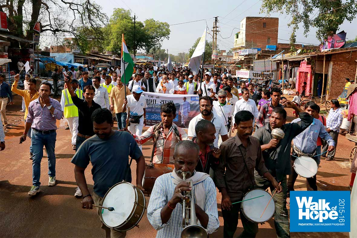17.Rumble-in-Mauganj!-as-we-were-led-along-the-streets-of-the-town,-Rewa,-MP