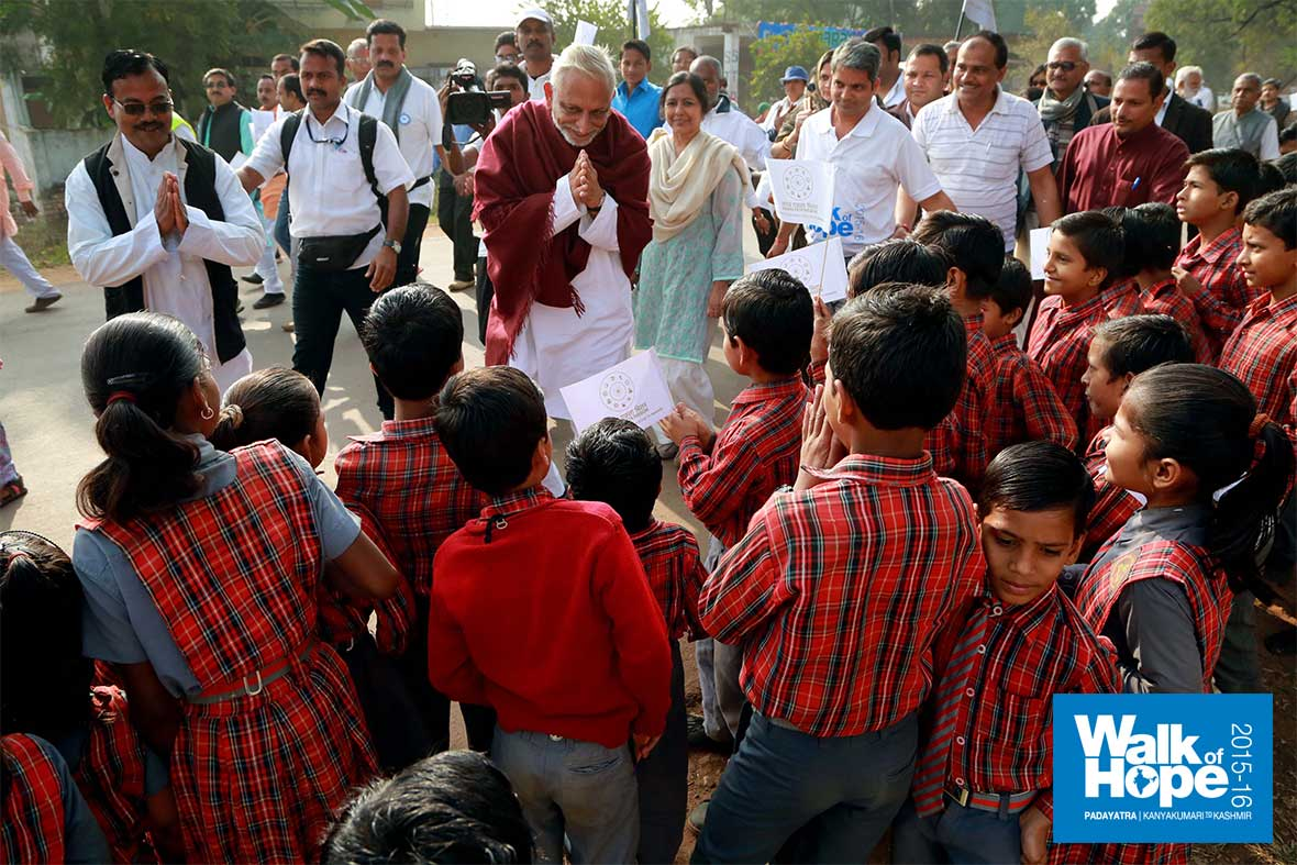 2.Looked-as-if-all-the-school-children-of-Hanumana-had-turned-up-to-greet-us,-Rewa,-MP