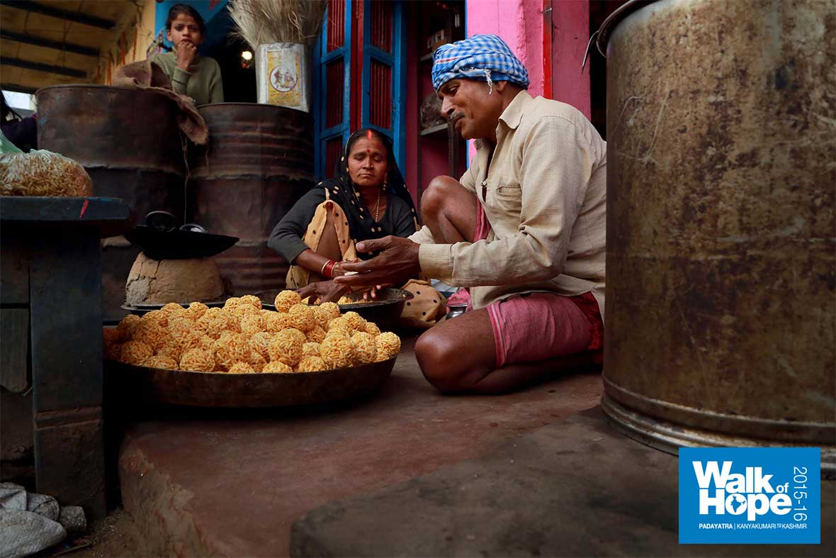 3.Home-made-sweets-&-savouries-on-their-way!!,-yum,-yum,-Lalganj,-Mirzapur,-UP