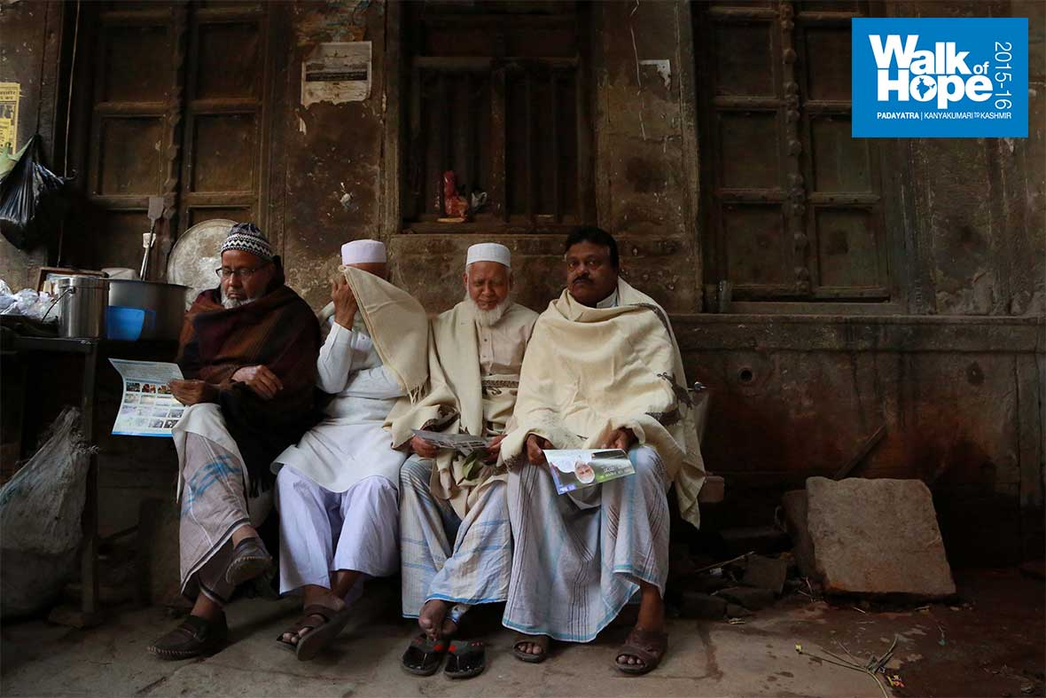 5.Oops!-a-shy-uncle-among-the-lot,-Varanasi,-UP