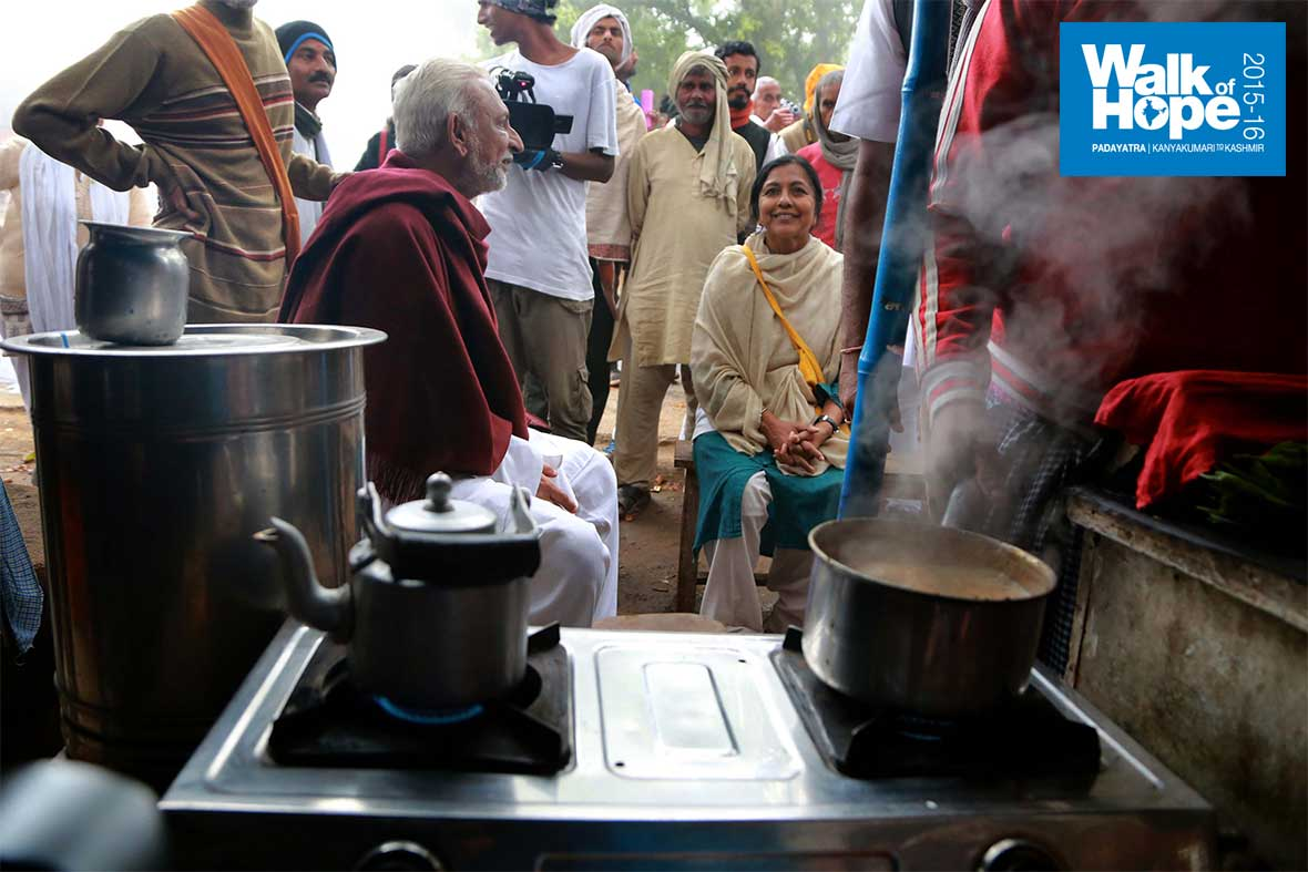 8.Sir-enjoing-one-of-the-simple-pleasures-of-his-life,-tea-from-a-wayside-tea-stall!!,-Samogara,-Mirzapur,-UP