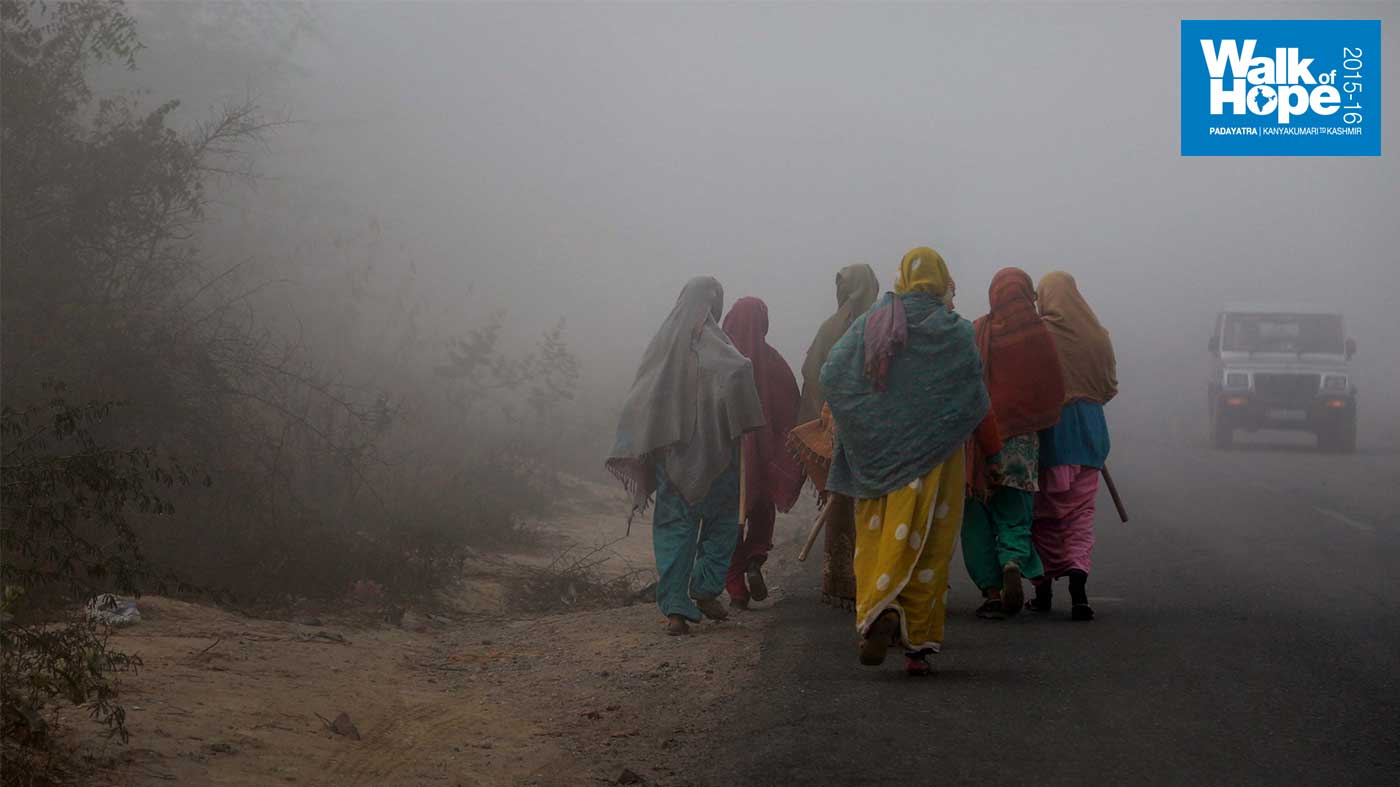 2.Visibility-so-poor-you-could-not-see-a-few-yards-away,-Auriya,-Kanpur-Dehat,-UP