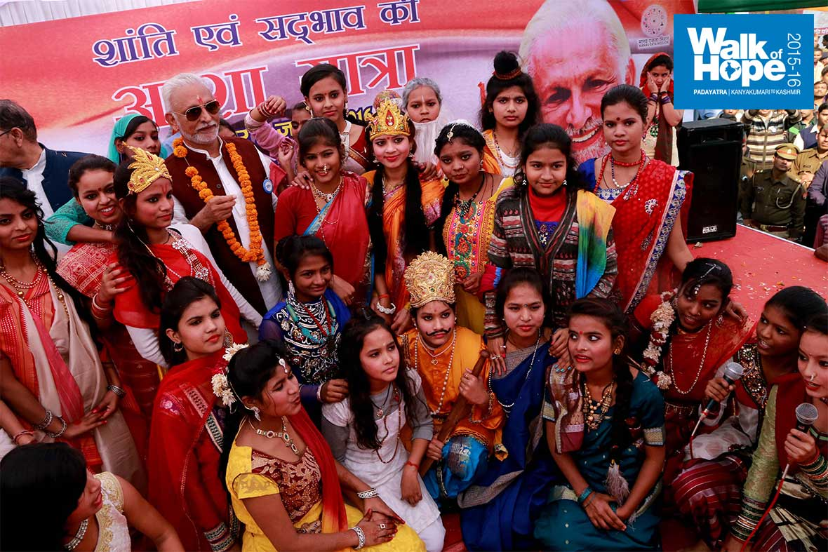 22.(Sir-in-the-midst-of-fairies-and-other-puranic-characters!,-Kanpur,-UP)