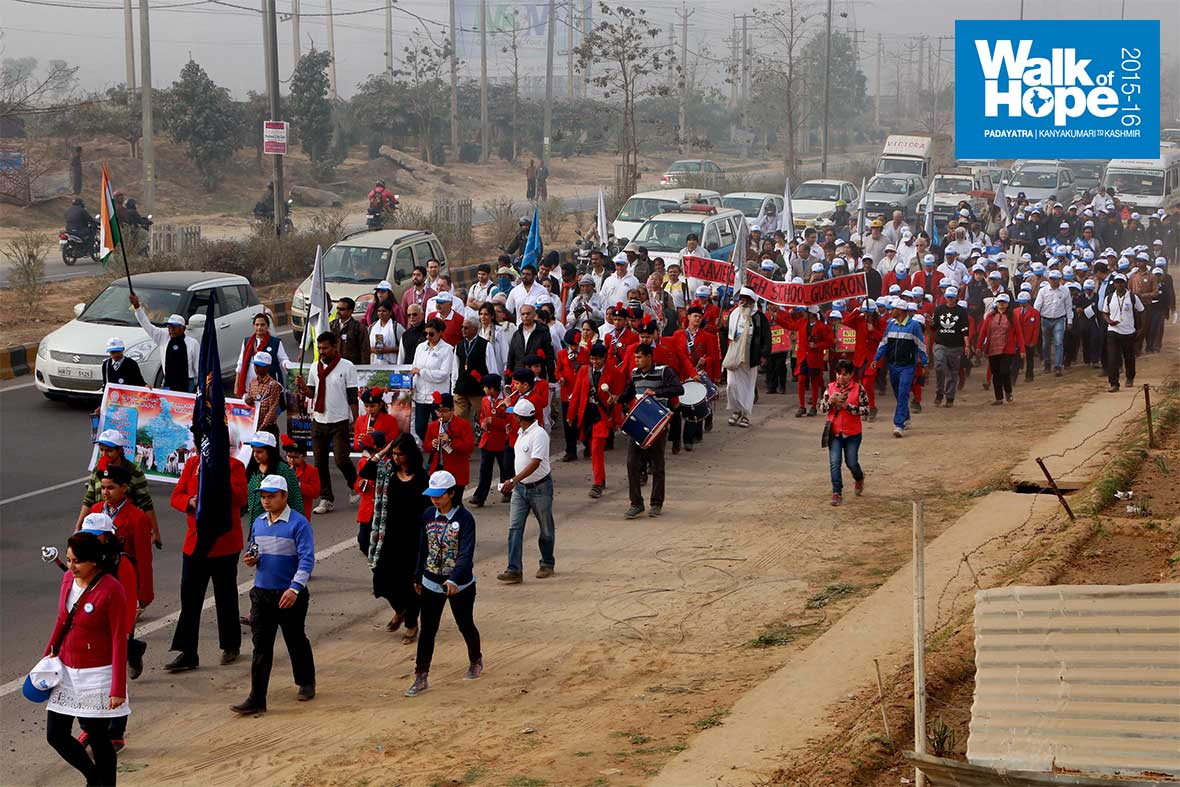 4.Good-to-have-the-youth-with-us,-Pathwaysians,-Xavierites-&-students-of-Govt-school,-Rosewood-City!,-Gurgaon,-Haryana