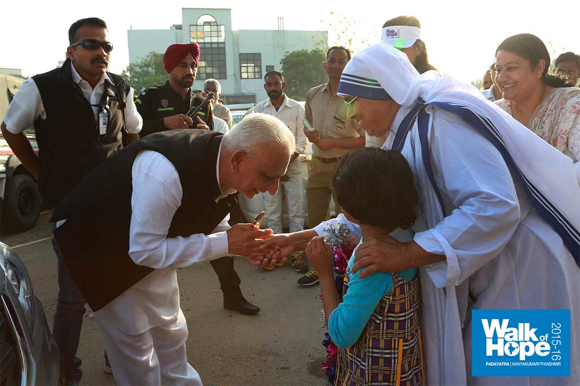 1.-A-touching--welcome-at-Mother-Teresa-Home,-Jalandhar,-Punjab