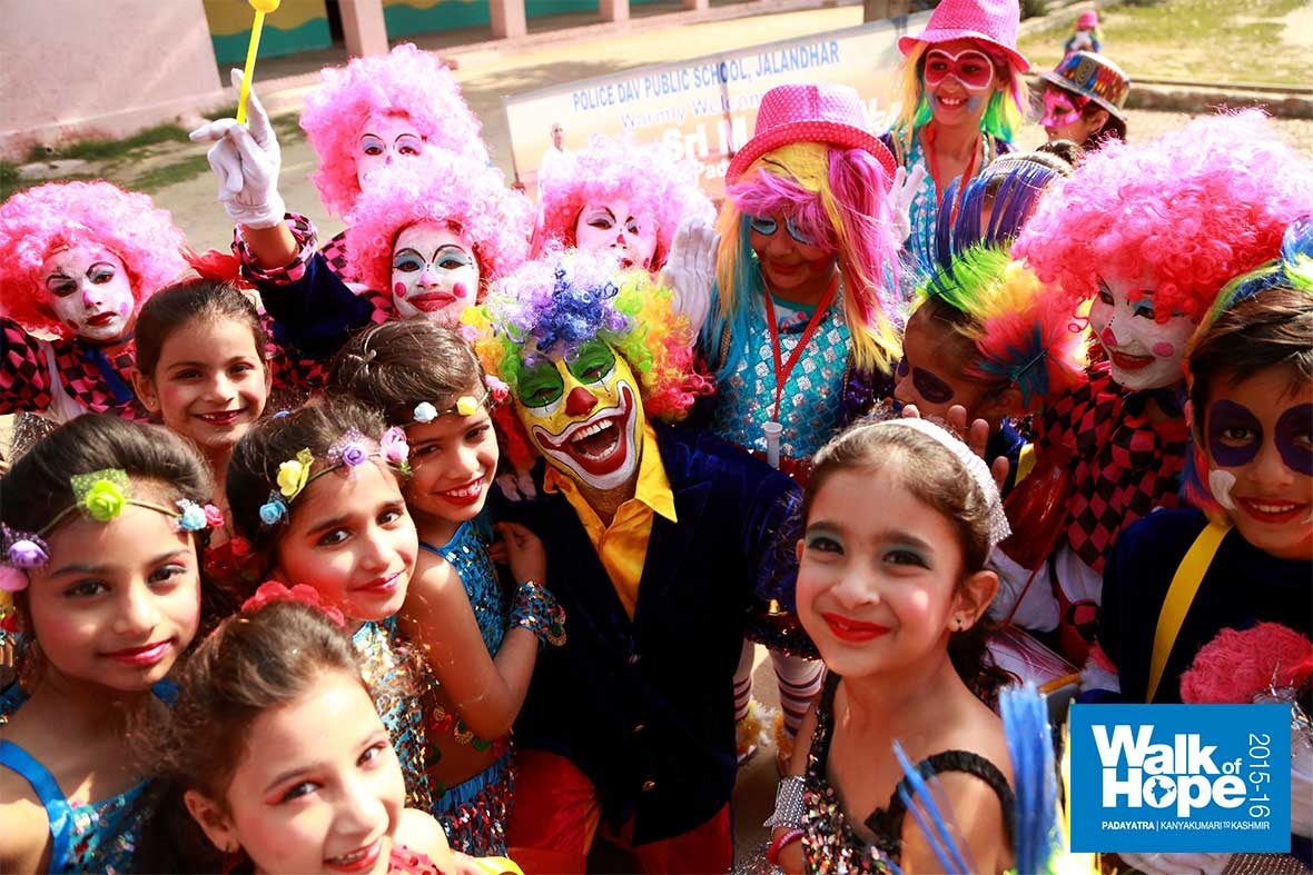 14.Angels,-elves,-jesters!,-we-have-them-all-here!,-DAV-Public-School,-Jalandhar,-Punjab