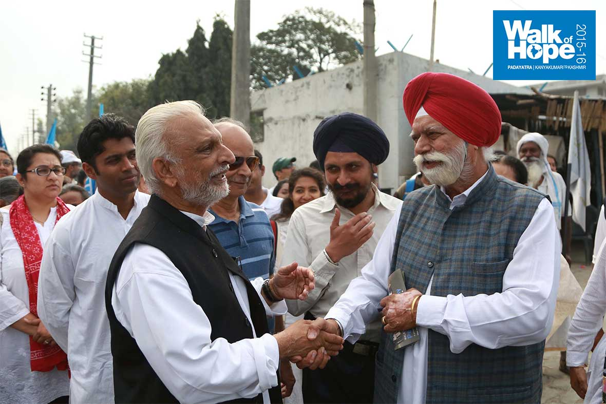 5.Yet-another-reception-on-Dilli-Road,-Sonipat,-Haryana