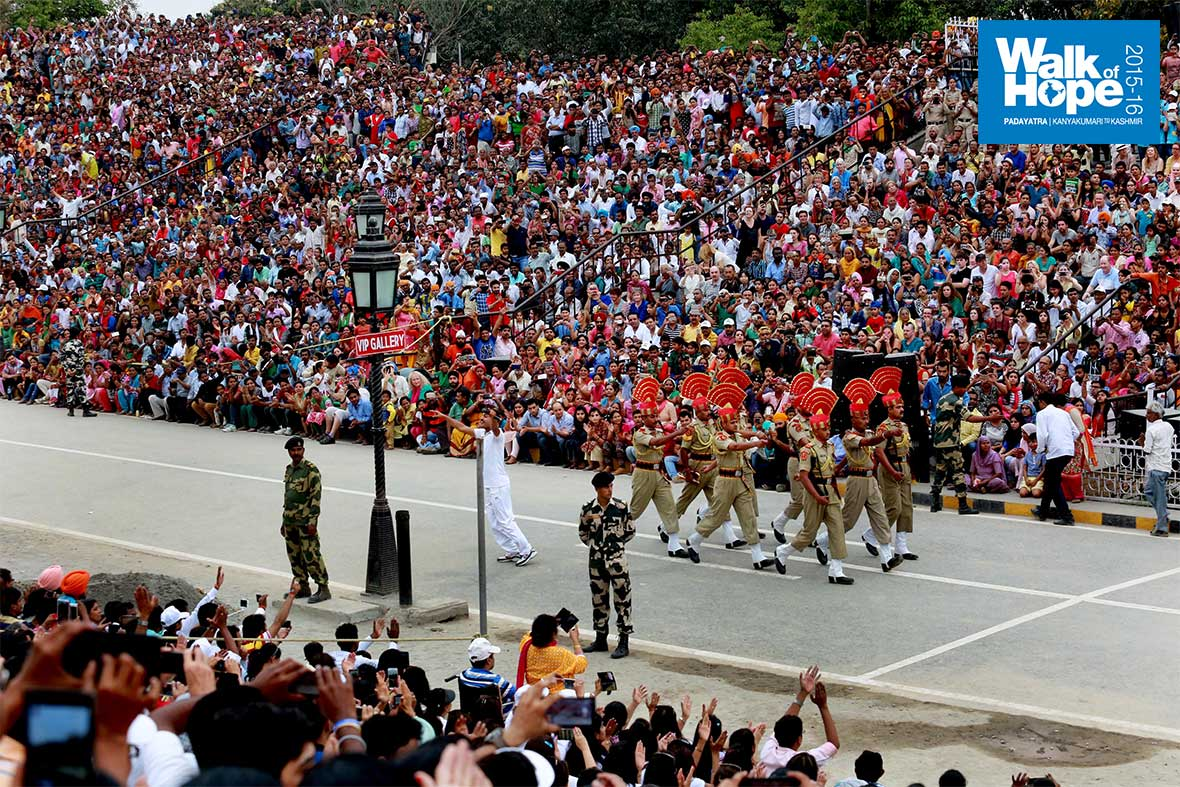 12.The-change-of-guard-ceremony-at-Attari-Wagah-border,-Amritsar,-Punjab