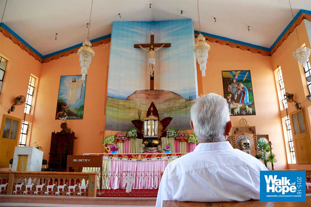 5.At-the-altar-of-the-biggest-church-in-Jammu,-the-St-Mary