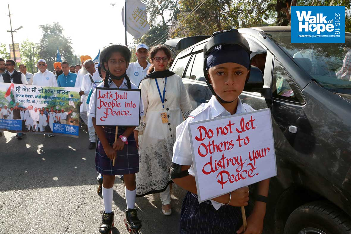 5.It-will-be-peace-all-over-when-these-kids-grow-up!,-Kapurthala,-Punjab